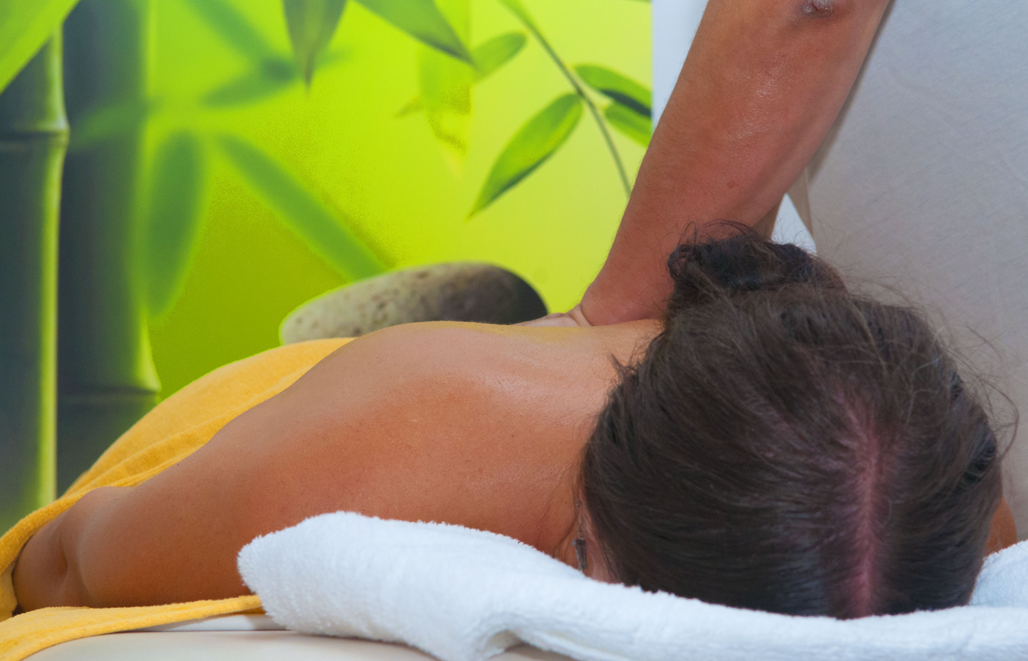 Relaxing Aromatherapy Massage (Summer mobile service)